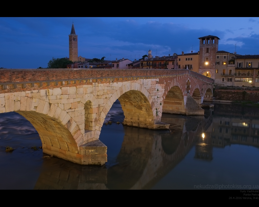 Мост Понте Пиедра в Вероне