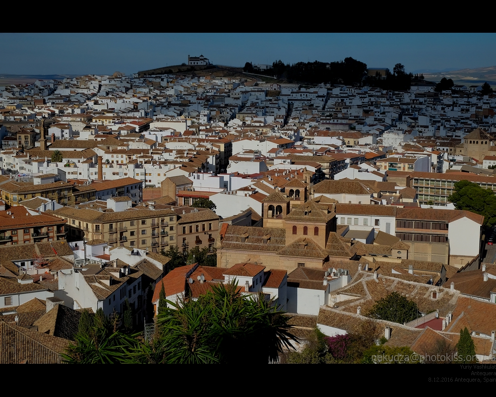Вид на Антекеру из крепость Алькасаба