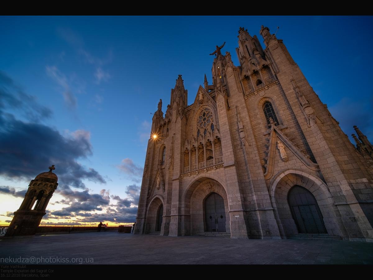 Храм Святого Сердца на горе Тибидабо, Барселона, Испания