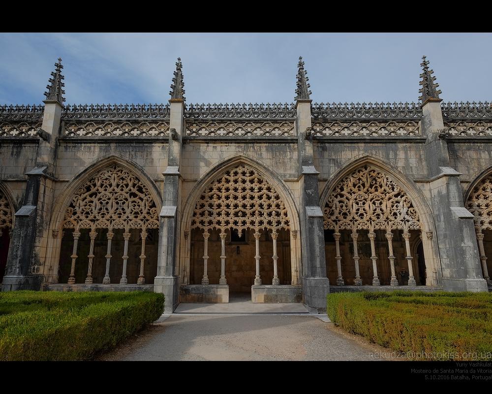 Монастырь в Баталье