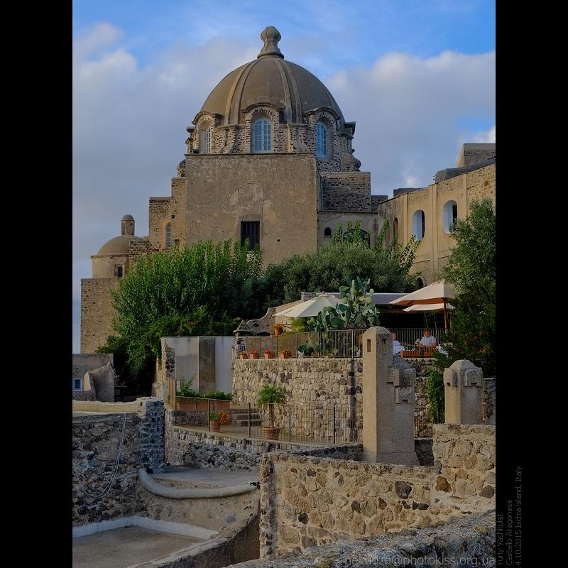Арагонский замок на острове Искья