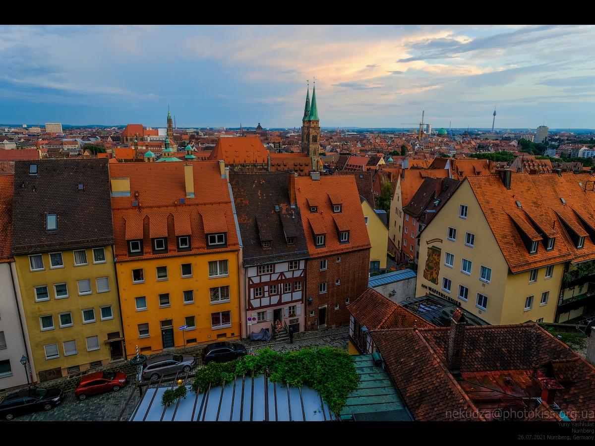 Вид из замка на вечерний Нюрнберг